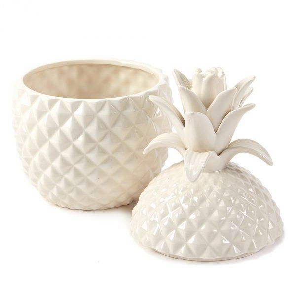 otwarte pudełko w kształcie ananasa
