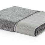 szary ręcznik ozdobny