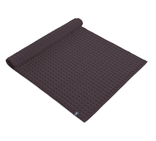 dywanik w kolorze ciemnym