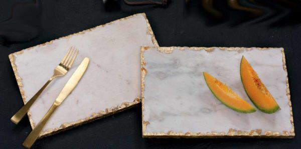 zestaw dwóch białozłotych marmurowych desek