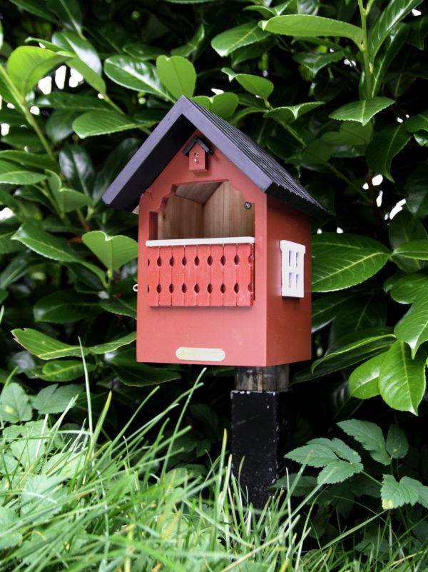 Wildlife Garden WG251 czerwony domek lęgowy dla ptaków
