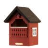 czerwony drewniany domek lęgowy dla ptaków