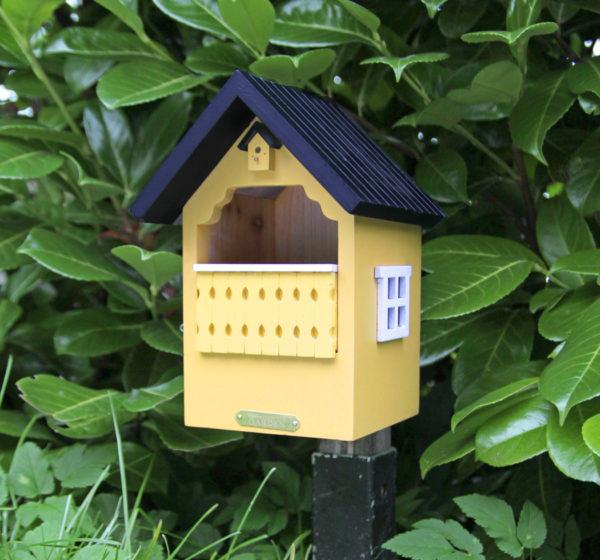 żółta budka lęgowa dla ptaków